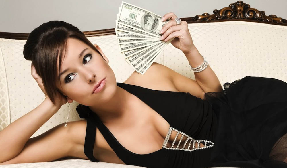 How To Become A Porn Star – women are better paid than men