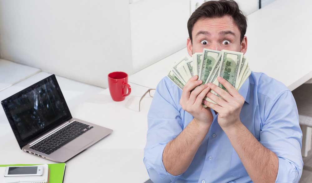 How To Make Money From Porn – Featured Image