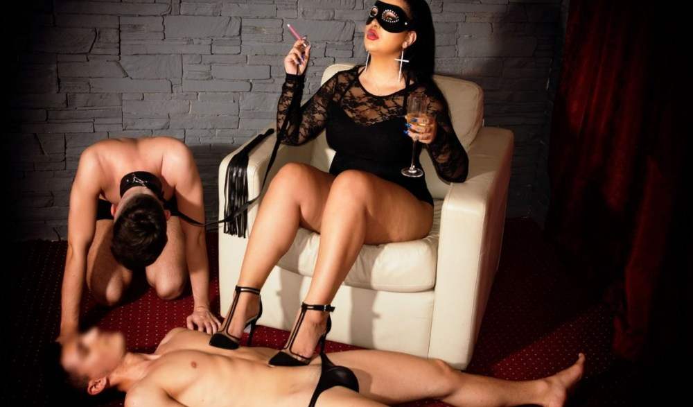 How to become a dominatrix - find a mentor dom